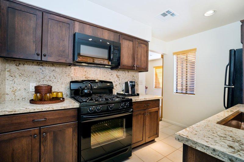 Three bedroom ocean view - kitchen - P3B