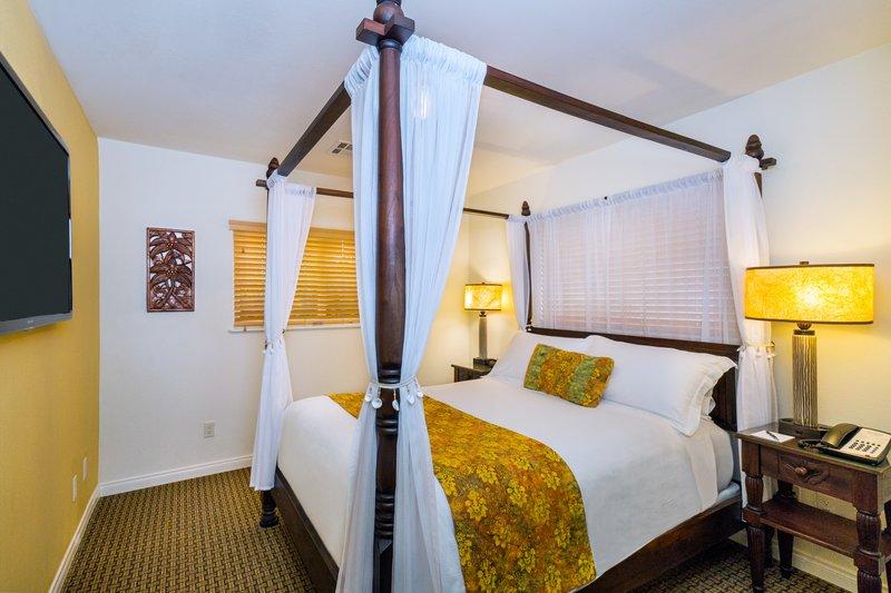 Three bedroom partial ocean view - bedroom - PB3