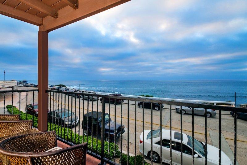 One bedroom ocean view - balcony patio - OVQ