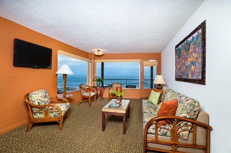 One bedroom ocean view - living room - QOV
