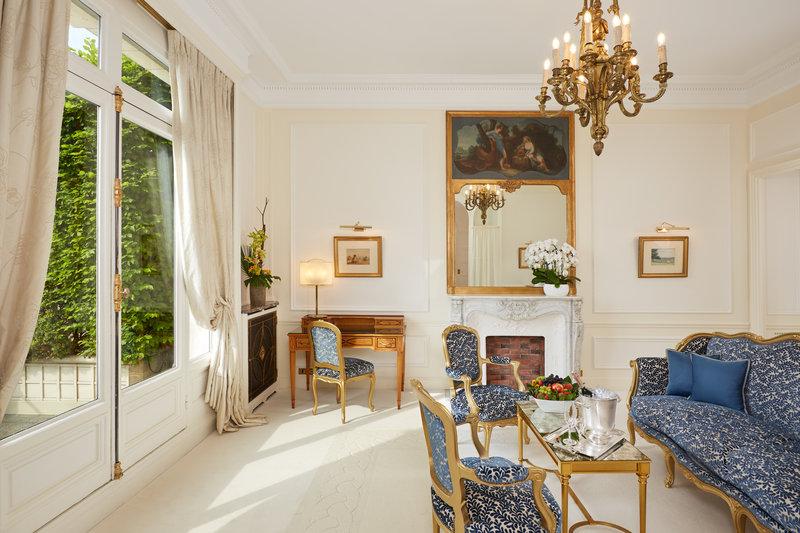 Arc De Triomphe Living Room Suite with private terrace