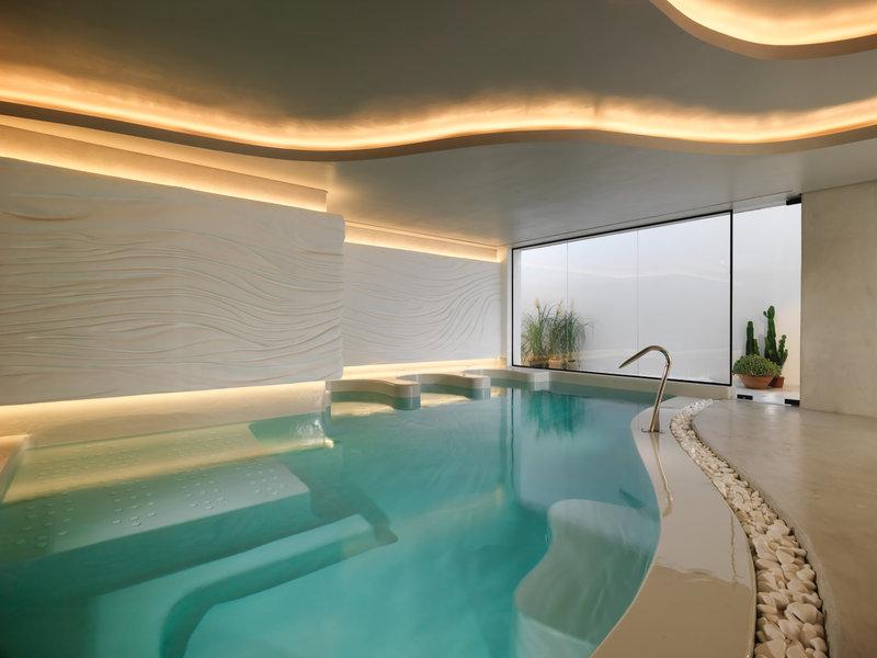 Oqua Spa Thalassotherapy Pool