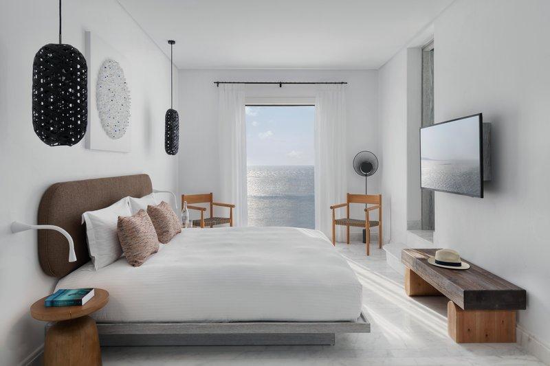 Galaxy Sharing Pool Suite bedroom