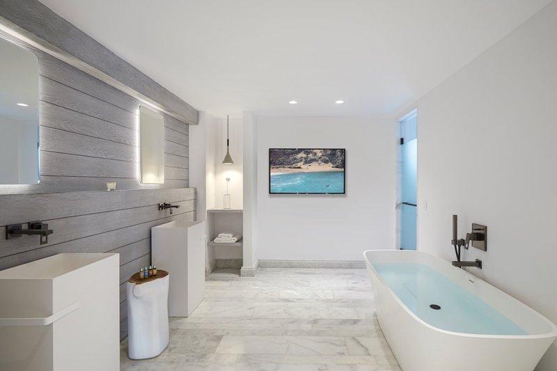Marina 1 Bedroom Pool Suite