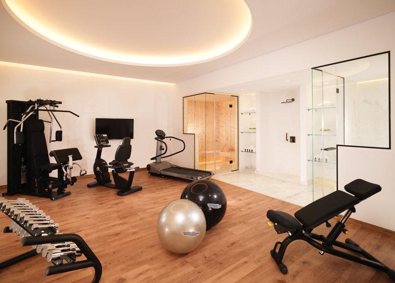 Signature 2 Bedroom Spa Pool Suite fitness Spa room