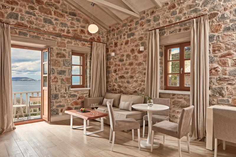 1-Bedroom Suite Sea View