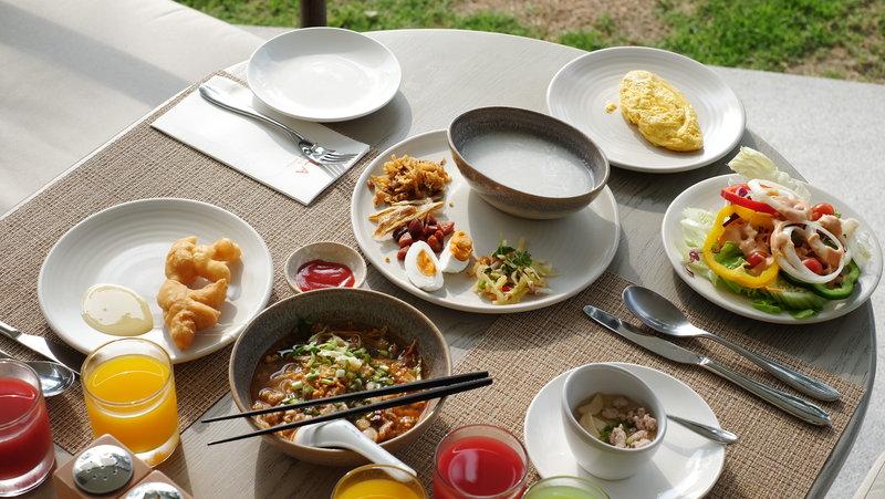 Breakfast at WOODS Kitchen & Bar