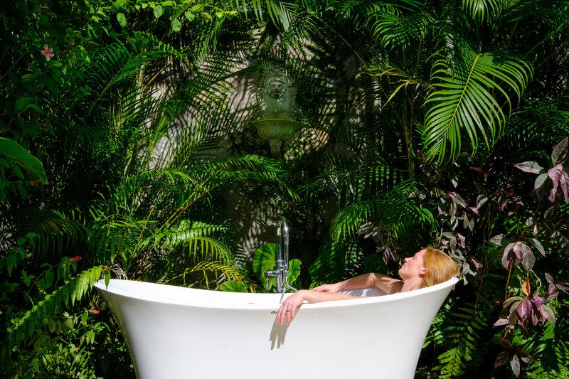 Mullion Cove Private Outdoor Tub