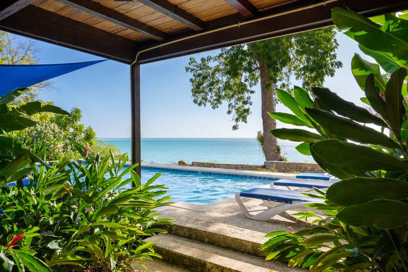 Mullion Cove Private Pool