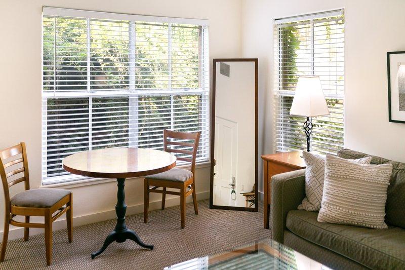 Southrbidge Suite Living Room