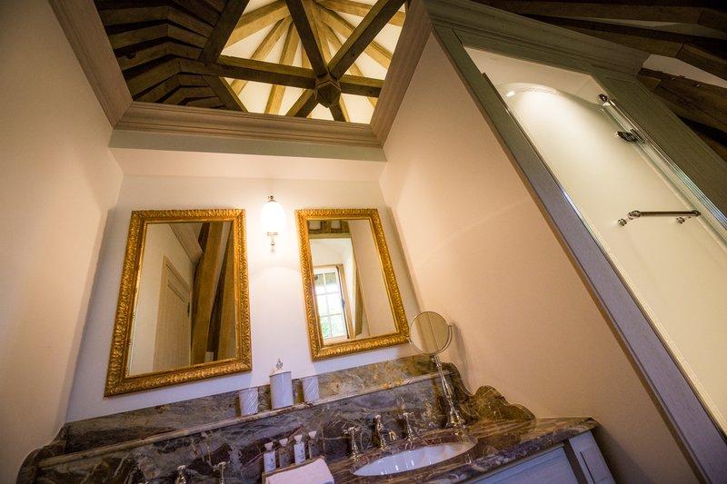 Dovecote Suite Bathroom