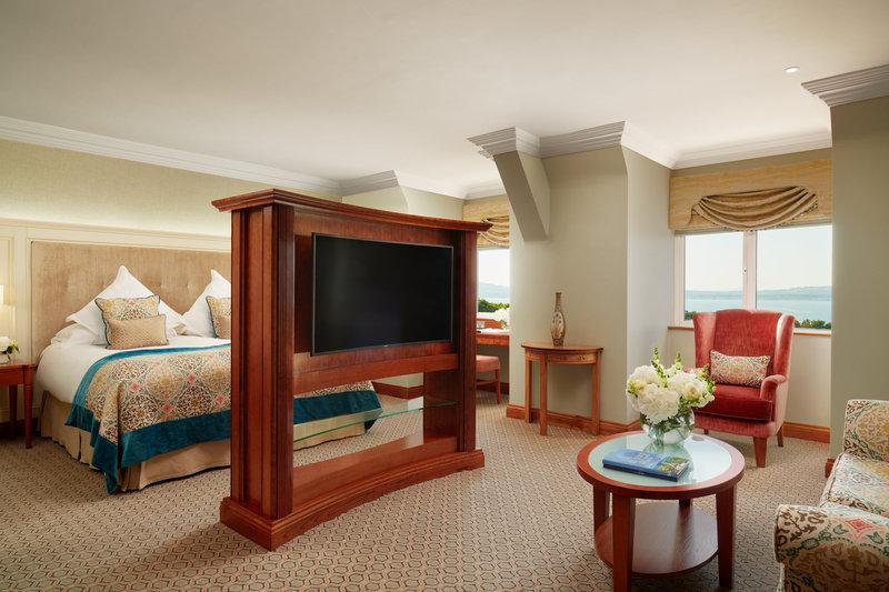 Estate Room Bedroom