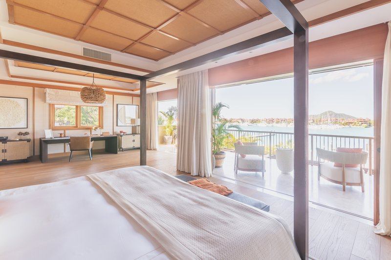 Royal Suite Ocean View with Pool