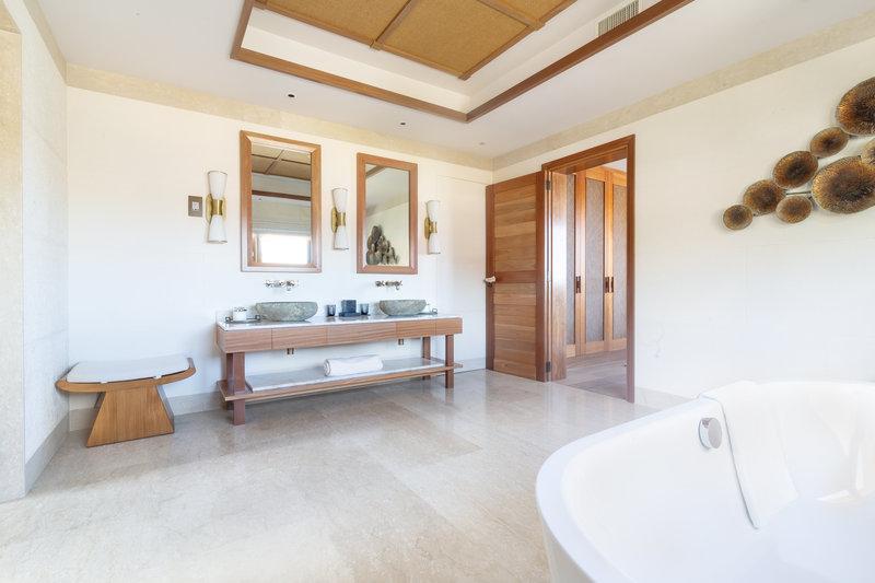 Royal Suite Ocean View with Pool -  Bathroom