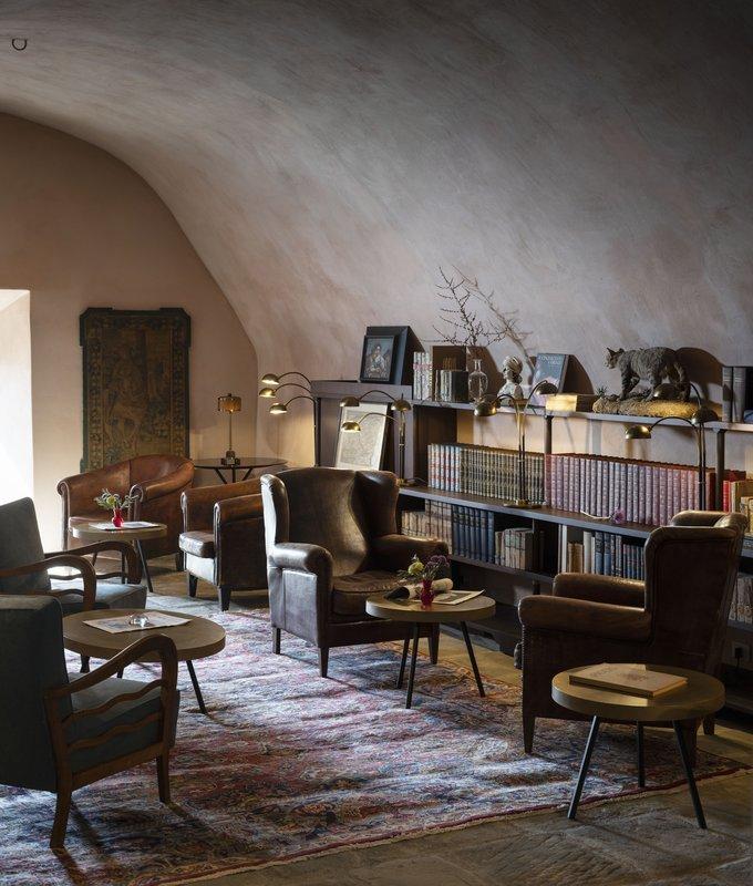 Hotel Castello Di Reschio The Library