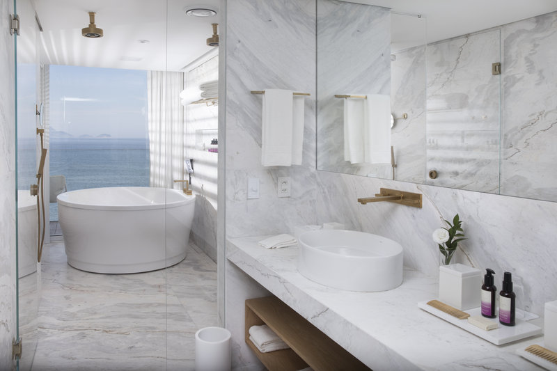 Ocean Master Suite Bathroom