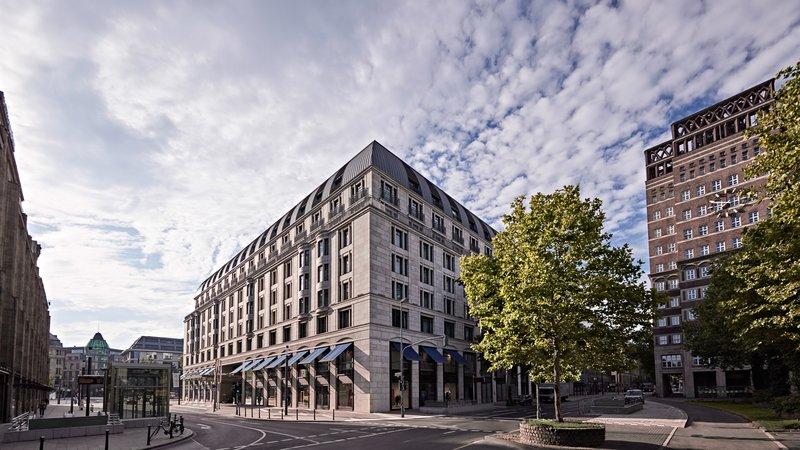 Exterior Dusseldorf Konigsallee Breidenbacher Hof