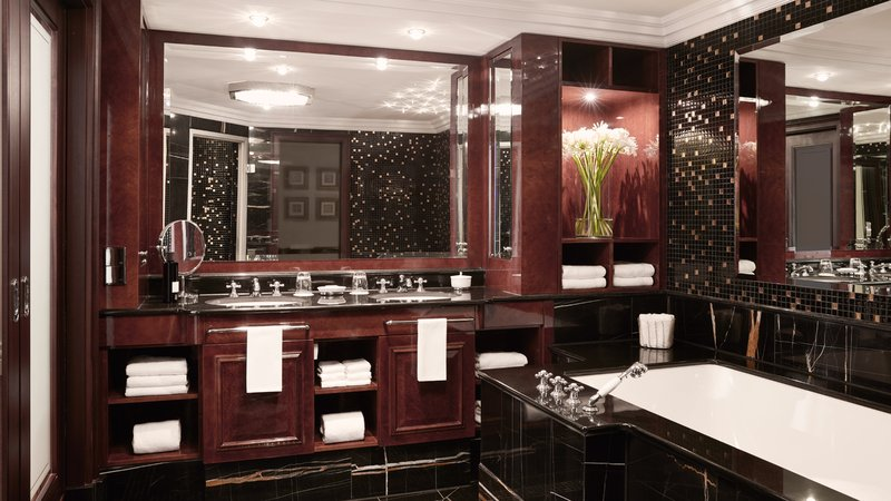 Presidential Suite Bathroom Breidenbacher Hof
