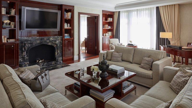 Grand Suite Living Room Breidenbacher Hof
