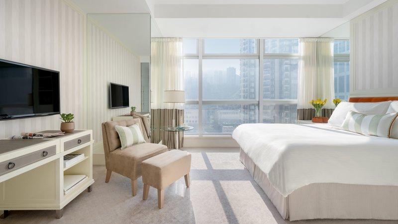 Lanson Place CWB Premier Room Full Length Window