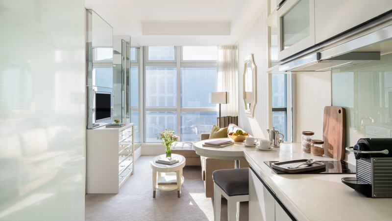 Lanson Place CWB Grand Luxe Room Kitchenette