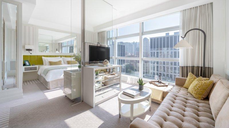 Lanson Place CWB Prestige Suite Full Length Window