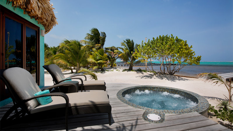 Luxury Beachfront Suite Private Jacuzzi