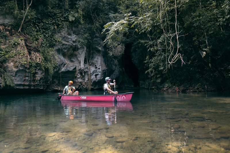 Barton Creek Cave & Ruins Canoeing