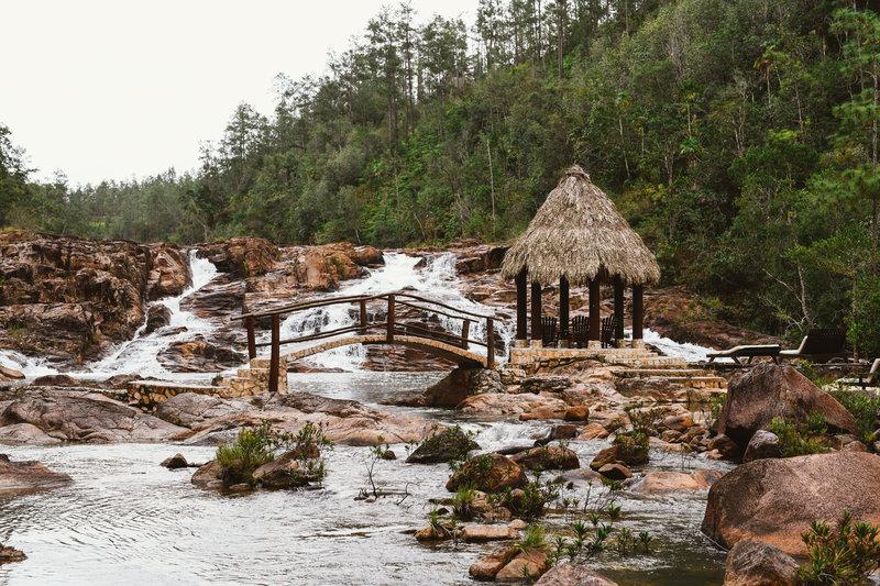 Gaïa Waterfall Islet
