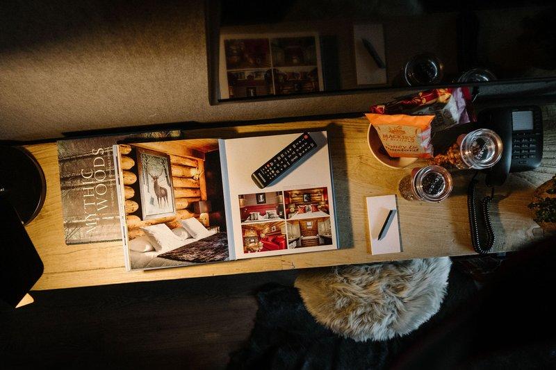 Luxury Living Room Side Board