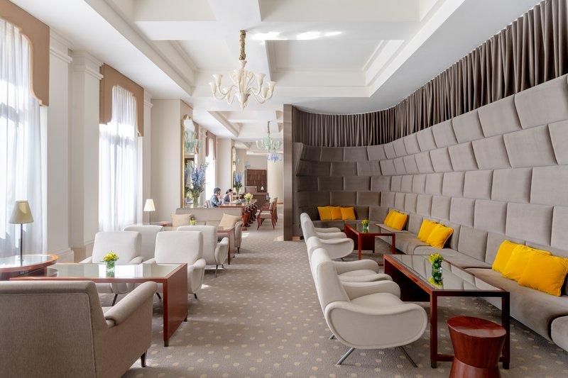 Lanson Place CWB Lounge Dining