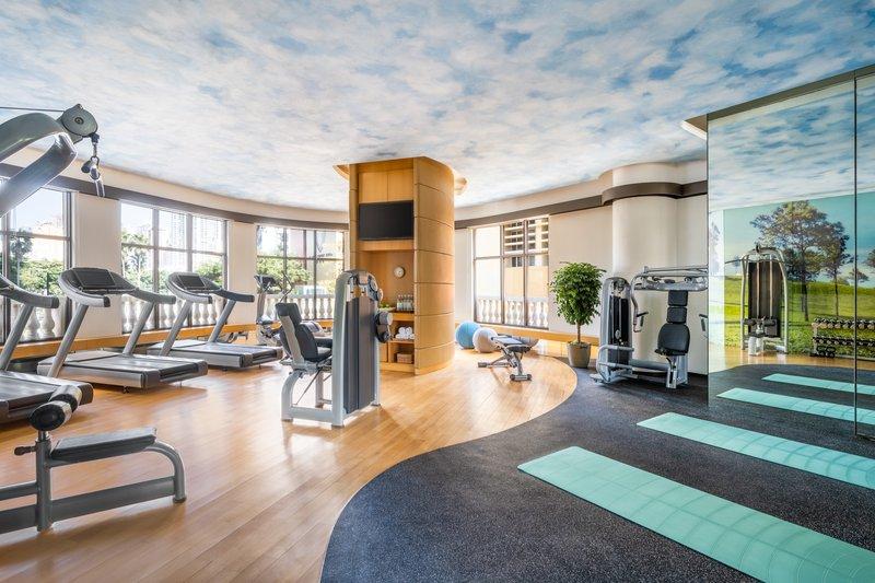 Lanson Place CWB Lounge Gym