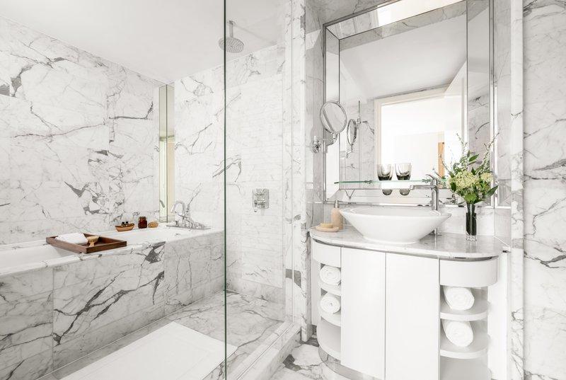 Lanson Place CWB Penthouse BR Bathroom