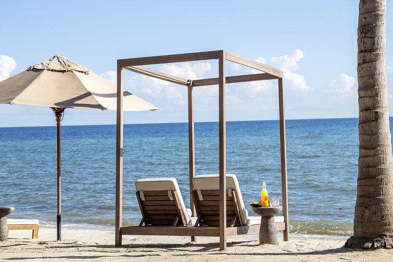 Lounge at Itz'ana Beach