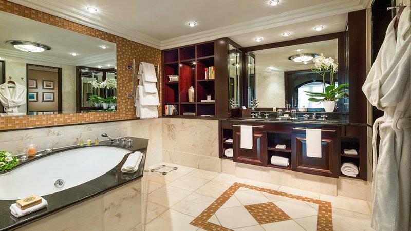 Classic Suite Bathroom Breidenbacher