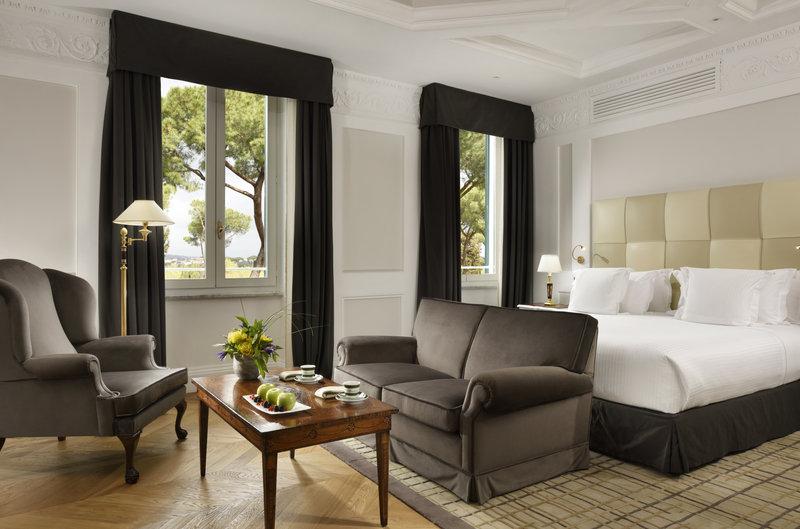 Junior Suite Deluxe Bedroom