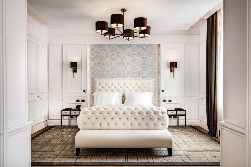 Penthouse Jacuzzi Suite - Bedroom