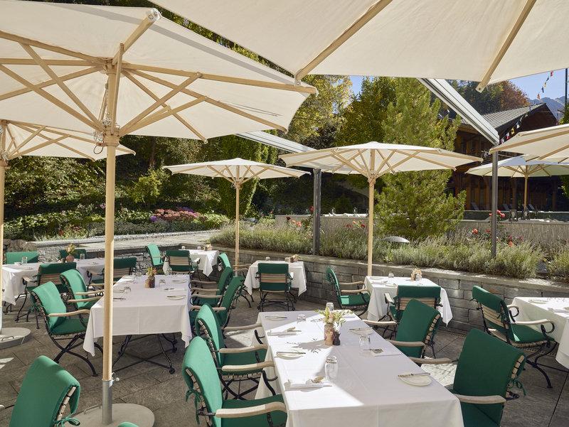 LEONARD's Garden Lounge