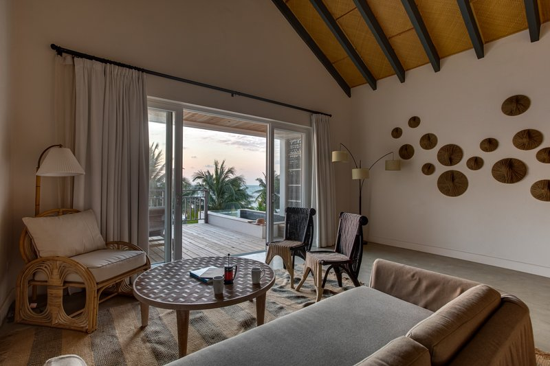 1 Bedroom Beachfront Loft Living Area