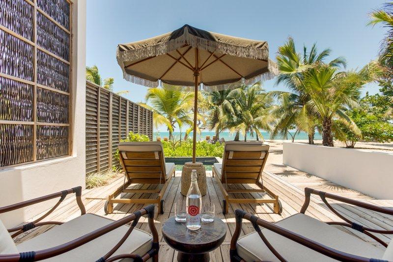 2 Bedroom Beachfront Villa Deck