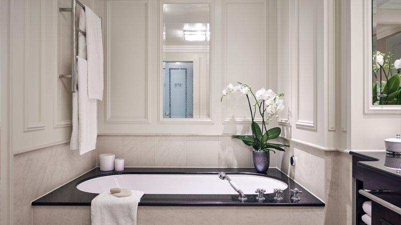 Bathroom Breidenbacher Hof