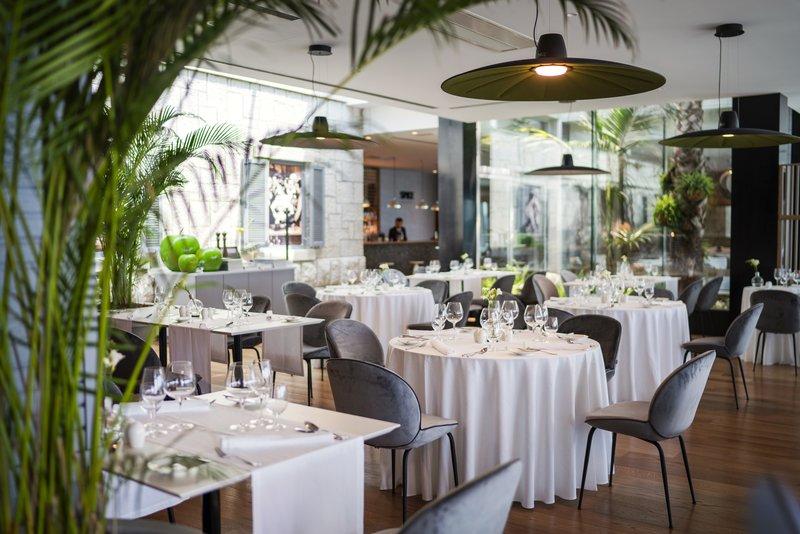 Vapor Restaurant Interior