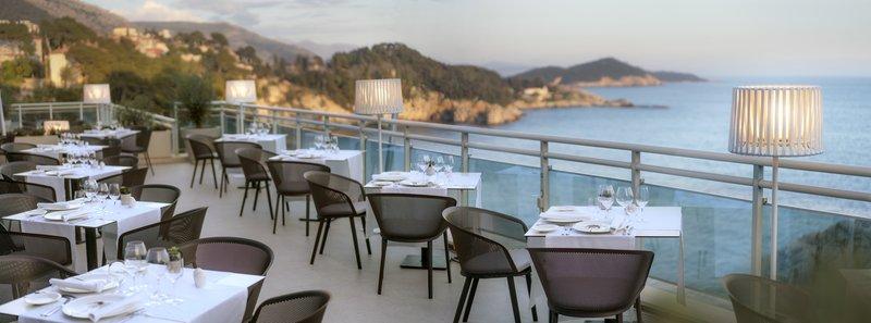 Vapor Restaurant Terrace