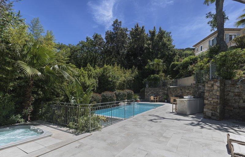 Villa Beau Rivage Outdoor Pool