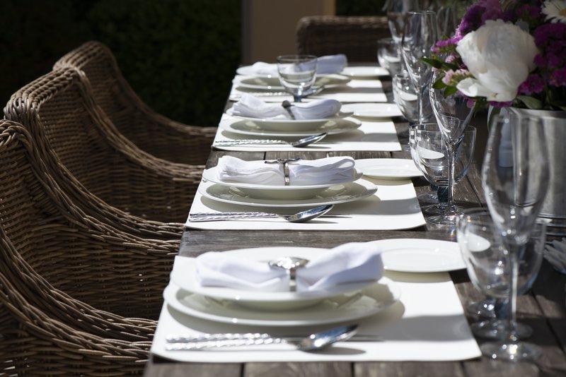 Villa Beau Rivage Table Set