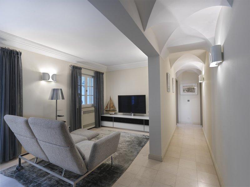Villa Bellevue TV Lounge