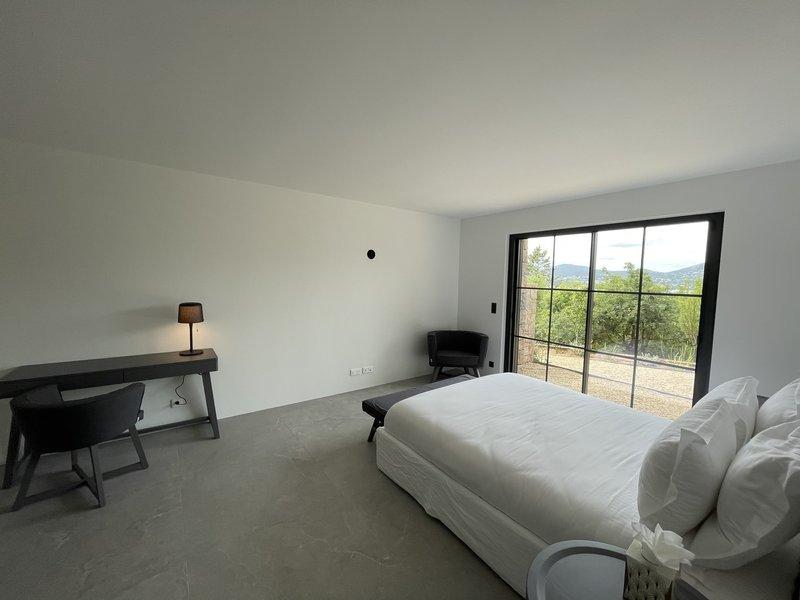 Villa Cote D Or Bedroom