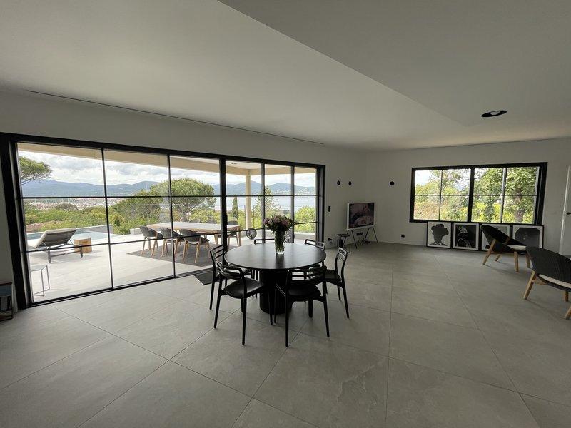 Villa Cote D Or Lounge