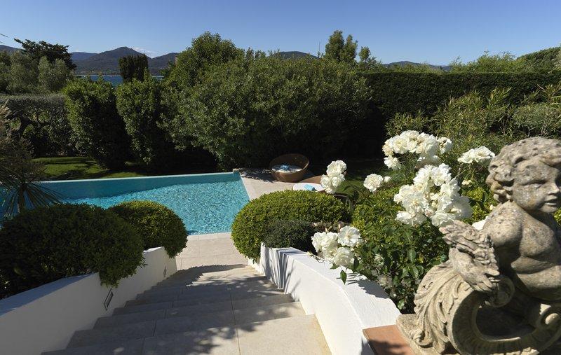 Villa Haute Vue Outdoor Pool