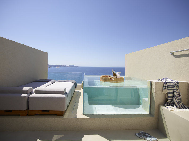 Superior Suite Private Chill Pool & Panoramic Sea View